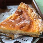 茶庵とちのき - アップルパイ。りんごが甘酸っぱくて、卵風味がたっぷり