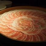 24492398 - ●お肉 お肉もきれいに盛り付けてきてもらえます。