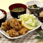 炙り家 - 当店一押し!唐揚げ食べ放題定食!お腹いっぱい食べてください!