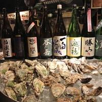 石花 - 生牡蠣と日本酒のマリアージュが楽しめます。