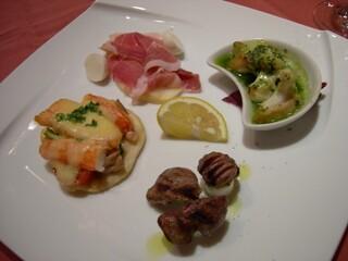 ビストロ・ラ・クッチーナ - ある晩のおまかせ前菜盛り合わせ