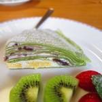 コロボックル - 料理写真:あずきクリームの抹茶ミルクレープ