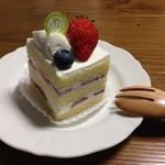 パティスリークロ - ショートケーキ