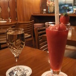 24504900 - 2014/1/22 苺・カシスラムール、グラスワイン