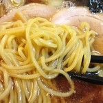 石打ユングパルナス - ラーメン麺拡大