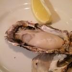 24513394 - 唐津産の牡蠣を焼き牡蠣に