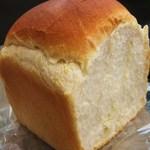 シェ オカヤマ - 280円天然酵母パン1斤
