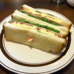 24515619 - ハムと野菜と玉子のトーストサンド
