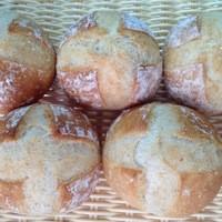 Pecori - お店一押しの天然酵母パン。ブール。全粒粉が入ってちょこっとハード系のもっちりパン☆
