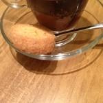 2014年1月訪問時:ショコラ・エスプレッソ(セット価格\400、通常\600)…お茶菓子にココナッツクッキーが付いています(^^)