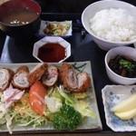 24523460 - しそ巻きとんかつハーフ定食(850円)