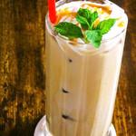 希志庵 - 【キャラメルラテ 】キャラメルラテのコーヒーはチンバリのエスプレッソマシーンを使用。苦味と甘みが絶妙の味わい!