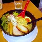 24528517 - 【2013/12】こだわり鶏白湯 850円