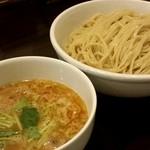 Tsurumen - 比内地鶏白湯つけめん(大盛り)