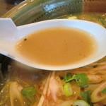 札幌亭 本部 - スープは札幌らしく「アブラ」ではない