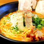 夢っ志愈亭 - 8種類の辛味成分と数種類の調味料を独自にブレンド。濃厚な旨味と、辛味のバランスが絶妙!!