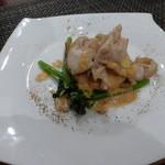 BISTRO SUZUKI - ランチコース¥2500 前菜:ホッキ貝とキッシュ