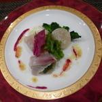 BISTRO SUZUKI - ランチコース¥2500 サラダ:黒鯛とホタテ