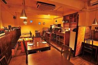 Ristoro Cocteau's - 落ち着いた雰囲気の店内は、デートに最適です