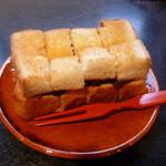 漆の実 - 小倉トースト ハーフ(コーヒー付650円)