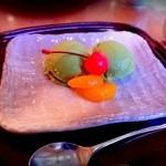 藤屋 - 抹茶アイスクリーム ¥580-