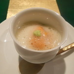 野嵯和 - 菜の花のムース、生ウニを乗せて