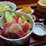 清みず - 刺身丼 840円