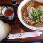 グリーン - 料理写真:ラーメンライス(750円)