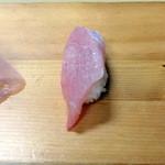 幸っちゃん寿司 - ヒラマサ トロ
