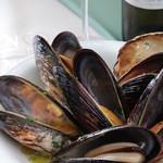 岡山産ムール貝の黒コショウ風味