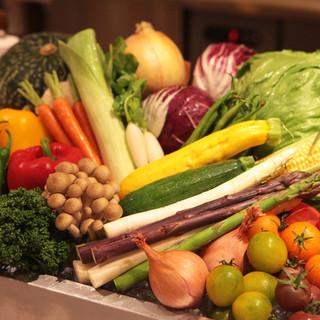 新鮮なお野菜や魚介類も厳選してます♪