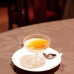 月苑飯店 - 杏仁豆腐の黒糖ソース