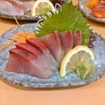 気晴れ屋 - 料理写真:その日の鮮魚刺し。カンパチ 480円