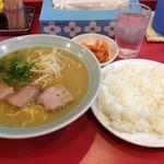 24571451 - ラーメン定食 中 (850円)