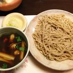 三平 - 冬季限定で、食材がある時のみの牡蠣せいろです。
