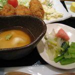 石塀小路 豆ちゃ - 漬物と小鉢