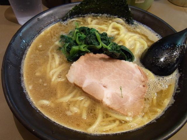誠屋 大森山王店 - 太麺(ラーメン)大盛750円