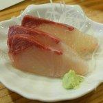 和食すし処番野 - ブリの刺身が出て、ビックリ