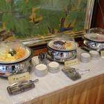 古奈青山 - バイキング風景(フルーツ、カットケーキ、こんにゃく餅)