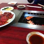 24591330 - ハラミも美味いし、豚バラをサンチュで巻いて食ったらウマシ!!