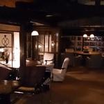 バー 山猫 - 贅沢な空間