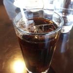 カフェ イ・ルンガ - パパは夕方で冷えてきたってのに「アイスコーヒー」