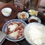 丸多屋 - 牛カルビ定食