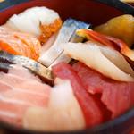 塩釜あがらいん - 海鮮味覚丼