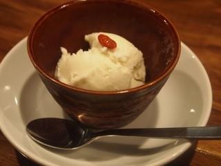 清粥小菜 明 - ココナッツアイス
