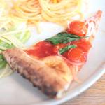 ピッツァ サルヴァトーレ クオモ 梅田 アンド ザ バー - ランチブッフェのピッツァ:プチトマトとバジルのピッツァ '14 2月中旬