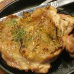 やきとり道場 - ☆半額メニュー☆鶏もも一枚焼き