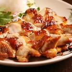 バーンチャーン - ガイヤーン(鶏肉のスパイシー焼き)