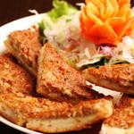 バーンチャーン - カノムパンナーム(豚肉のすり身トースト)