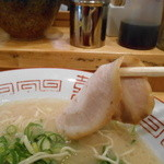 博多ラーメンセンター - 580えん『ラーメン(麺カタ)』2014.3